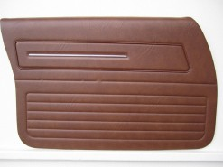 HOLDEN HX KINGSWOOD FRONT DOOR TRIM SET TAN 67V (METAL TOP EXCHANGE)