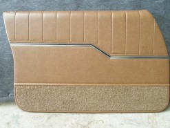 HOLDEN HQ MONARO GTS SEDAN DOOR TRIM SET CHESTNUT 39 (METAL TOP EXCHANGE)